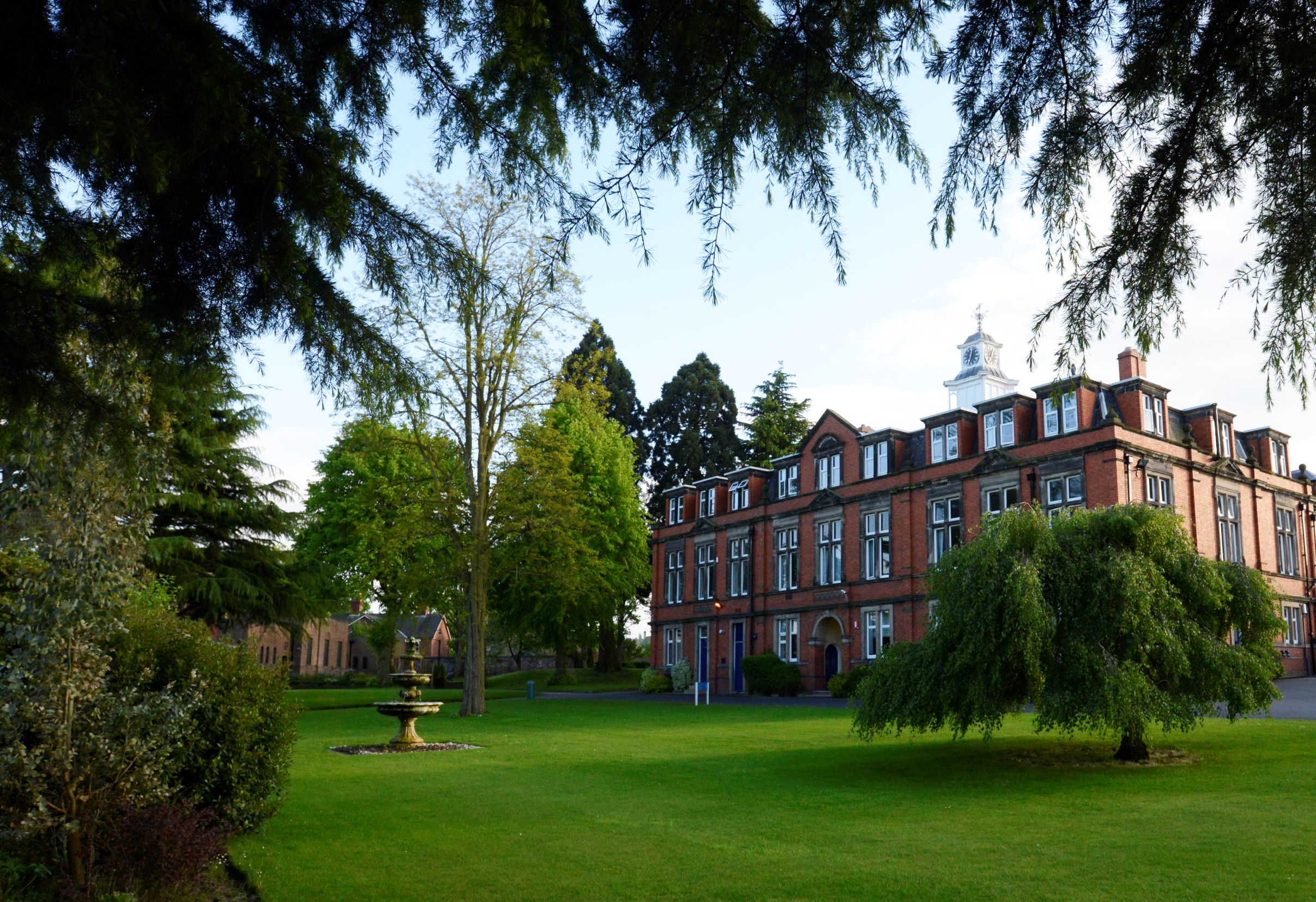 Holroyd Howe win the Catering and Cleaning contract at Wrekin College and The Old Hall School